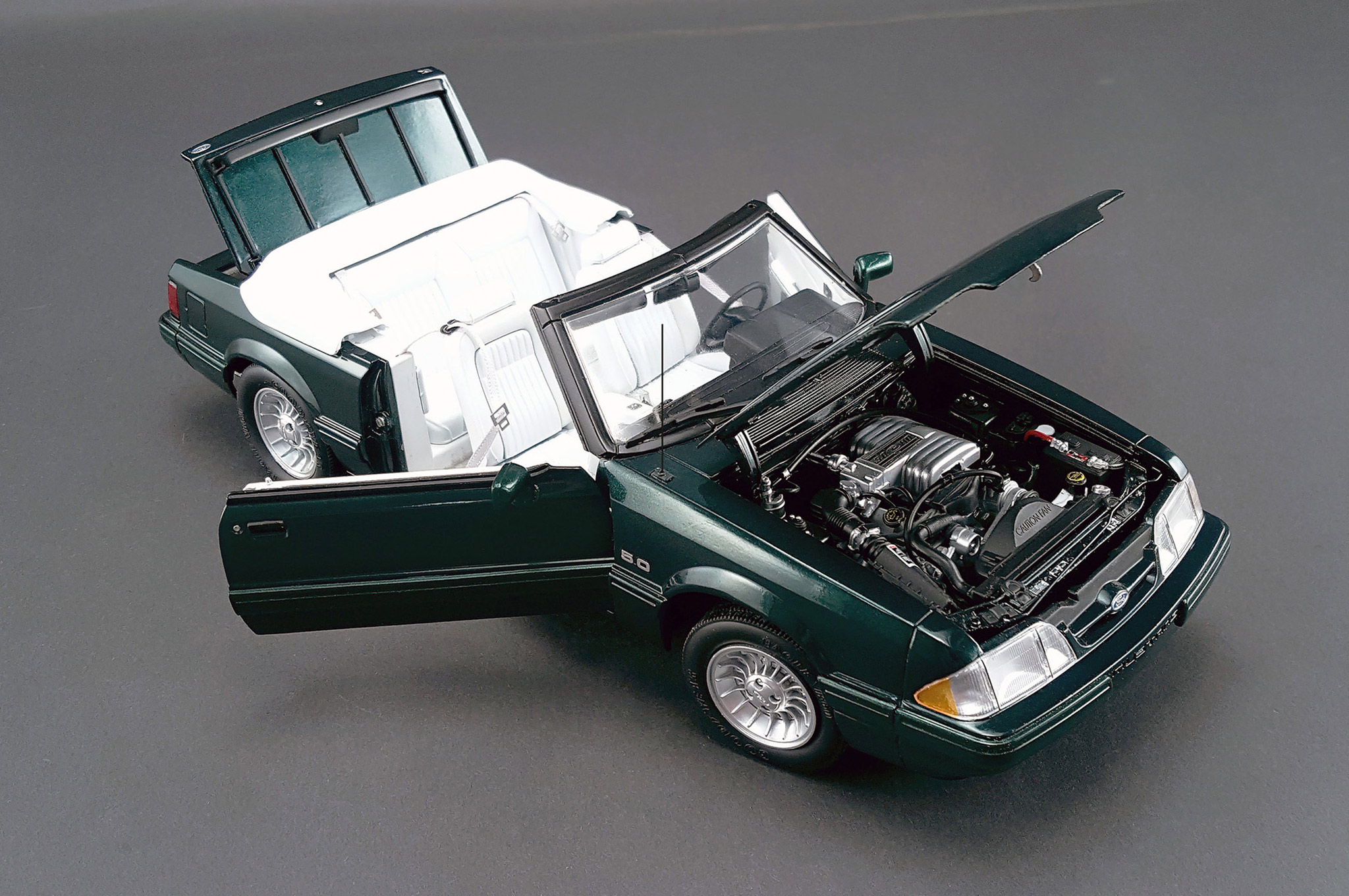 The GMP diecast details are extraordinary, including articulating seats with cloth seatbelts, a fully detailed engine bay, authentic Goodyear Eagle VR60 tires, and much more.