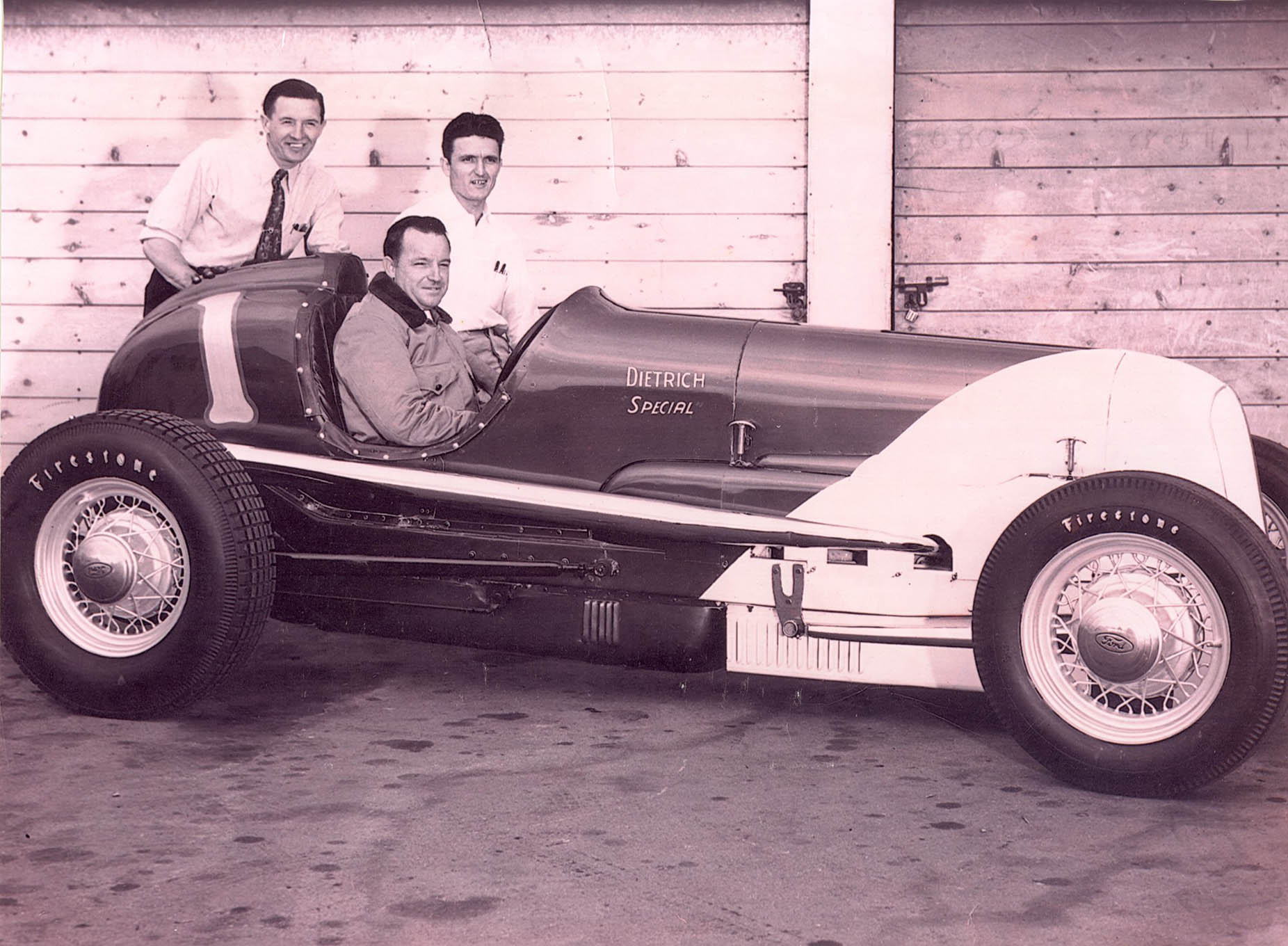 Its 1947 points championship earned the Dietrich-Thomas car the number one for the 1948 season. This photo was taken early in the year, as the car still has its Pontiac grille.