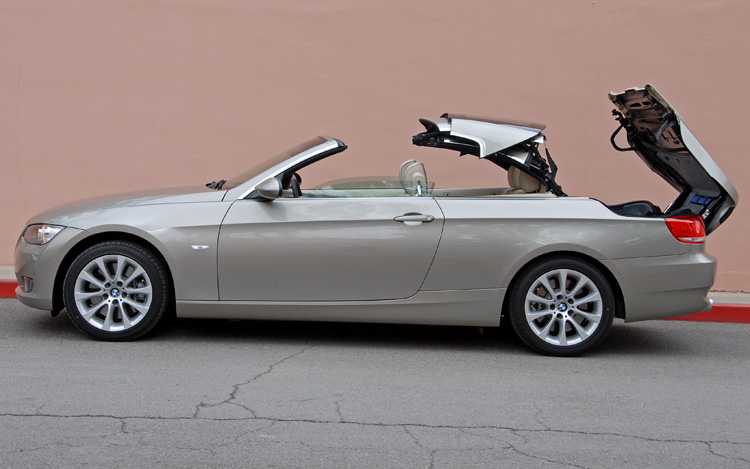 Bmw 335I Convertible >> 2007 Bmw 335i Convertible First Drive Review Motor Trend