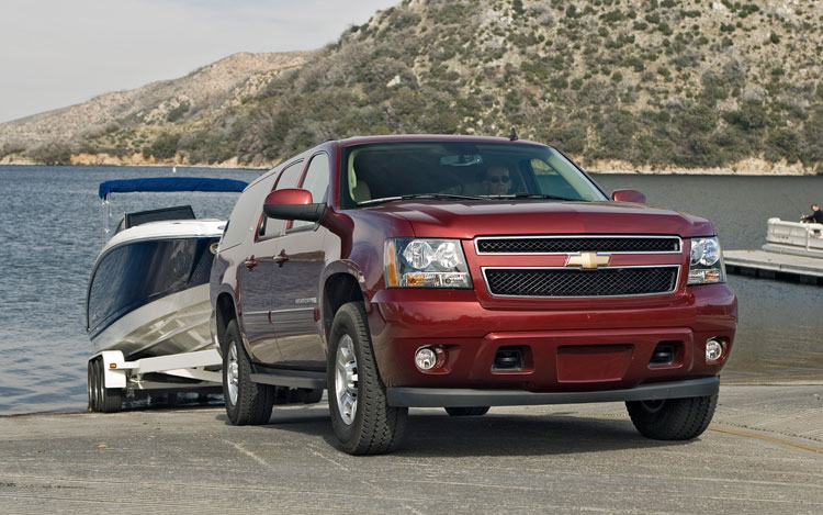 Suburban Vs Tahoe >> 2008 Chevrolet Suburban 2500 - First Test - Motor Trend