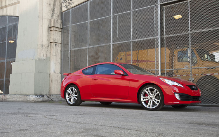2010 Hyundai Genesis Coupe 3.8 Track - First Test of the ...
