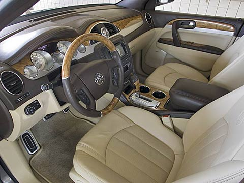 2008 buick enclave first look road test motor trend for Buick enclave interior pictures