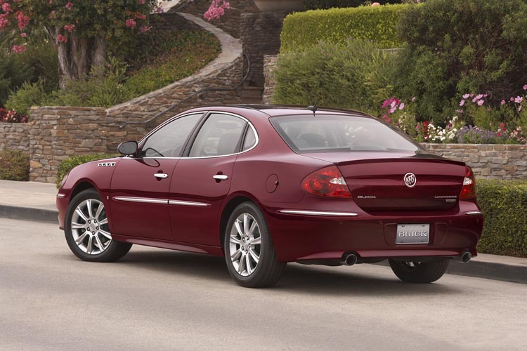 2008 Buick LaCrosse Super and 2008 Buick Lucerne Super - Auto News - Motor Trend