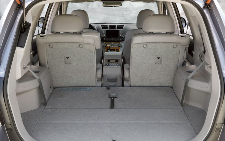 2008 toyota highlander newcomers motor trend. Black Bedroom Furniture Sets. Home Design Ideas