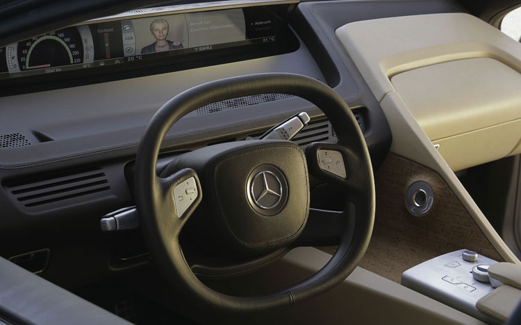 Mercedes benz f 700 concept auto news motor trend for Is motor trend on demand worth it
