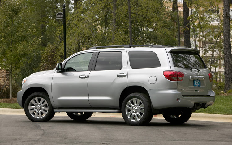 2008 toyota sequoia first drive motor trend. Black Bedroom Furniture Sets. Home Design Ideas