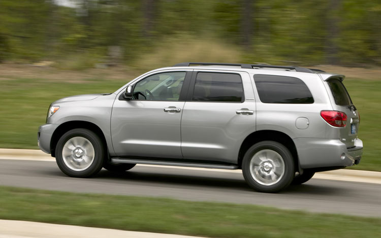 2008 toyota sequoia photo gallery motor trend. Black Bedroom Furniture Sets. Home Design Ideas