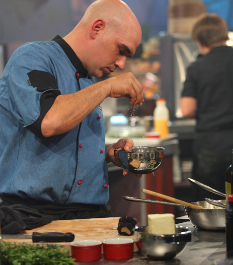 Iron chef america 39 s michael symon is all about american for Ala cuisine iron chef