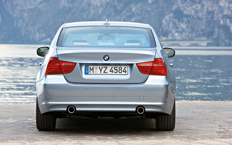 2008 vs 2009 bmw 3 series comparison gallery motor trend. Black Bedroom Furniture Sets. Home Design Ideas