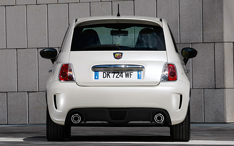 fiat 500 abarth edition exclusive first drive motor trend. Black Bedroom Furniture Sets. Home Design Ideas