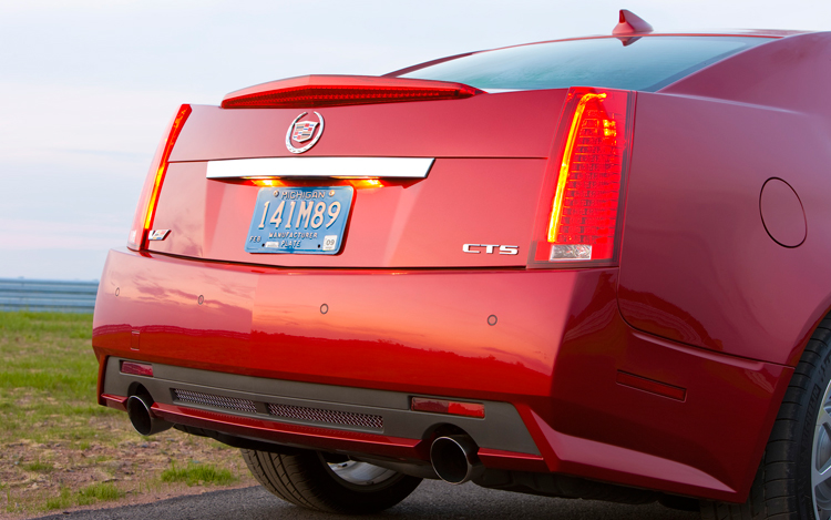2009 Cadillac CTS-V - Photo Gallery - Motor Trend