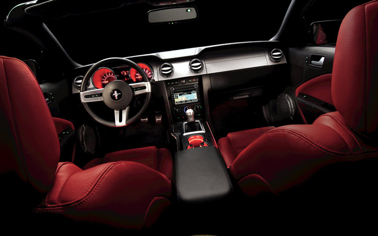 2009 ford mustang vs 2010 ford mustang features motor trend. Black Bedroom Furniture Sets. Home Design Ideas