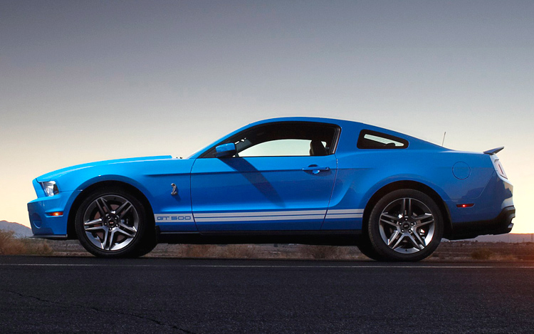2010 ford shelby gt500 first photos and details of the new ford shelby gt500 mustang motor trend. Black Bedroom Furniture Sets. Home Design Ideas