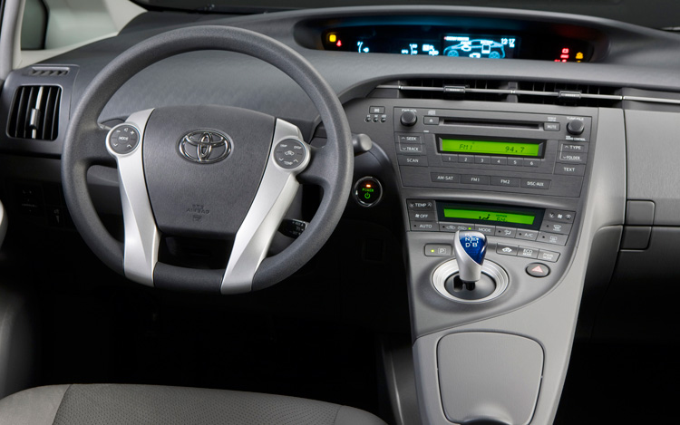 2010 toyota prius first look motor trend. Black Bedroom Furniture Sets. Home Design Ideas