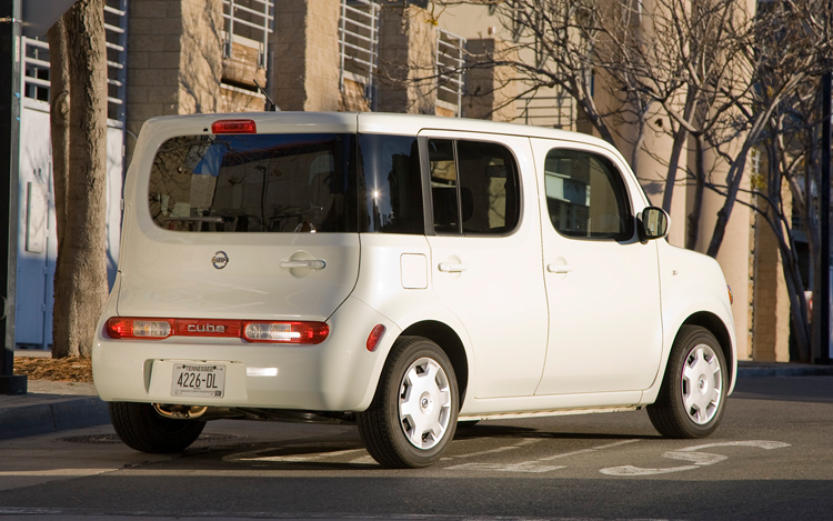 Z Nissan Cube Rear Three Quarters View on 2009 Nissan Cube