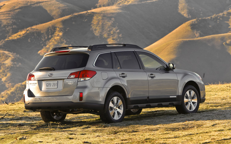 2010 subaru outback first look motor trend. Black Bedroom Furniture Sets. Home Design Ideas