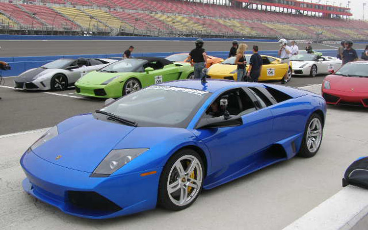 ultimate lamborghini experience racing 150 mph in a. Black Bedroom Furniture Sets. Home Design Ideas