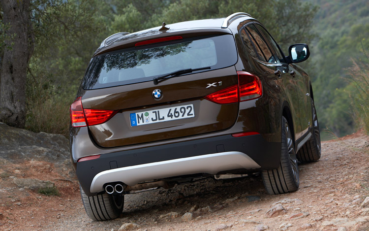 2011 bmw x1 bmw x1 suv photos and details motor trend. Black Bedroom Furniture Sets. Home Design Ideas