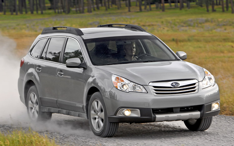2010 subaru outback first drive and review motor trend. Black Bedroom Furniture Sets. Home Design Ideas