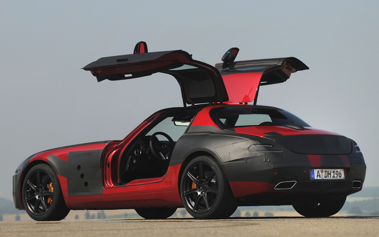 2010 mercedes benz sls amg first drive motor trend. Black Bedroom Furniture Sets. Home Design Ideas