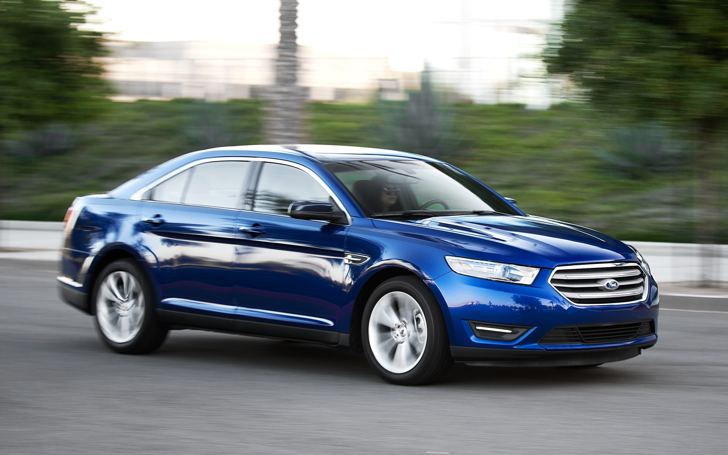 Article By The Numbers 2013 Ford Taurus Vs Fusion Mid Tower Aspire Wiring Diagram Overview