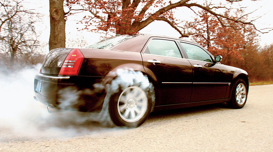 2005 Chrysler 300c Four Seasons Test Automobile Magazine