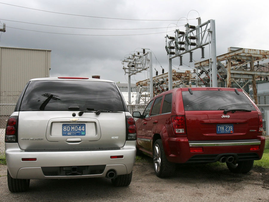 2006 Chevrolet Trailblazer SS vs. 2006 Jeep Grand Cherokee ...
