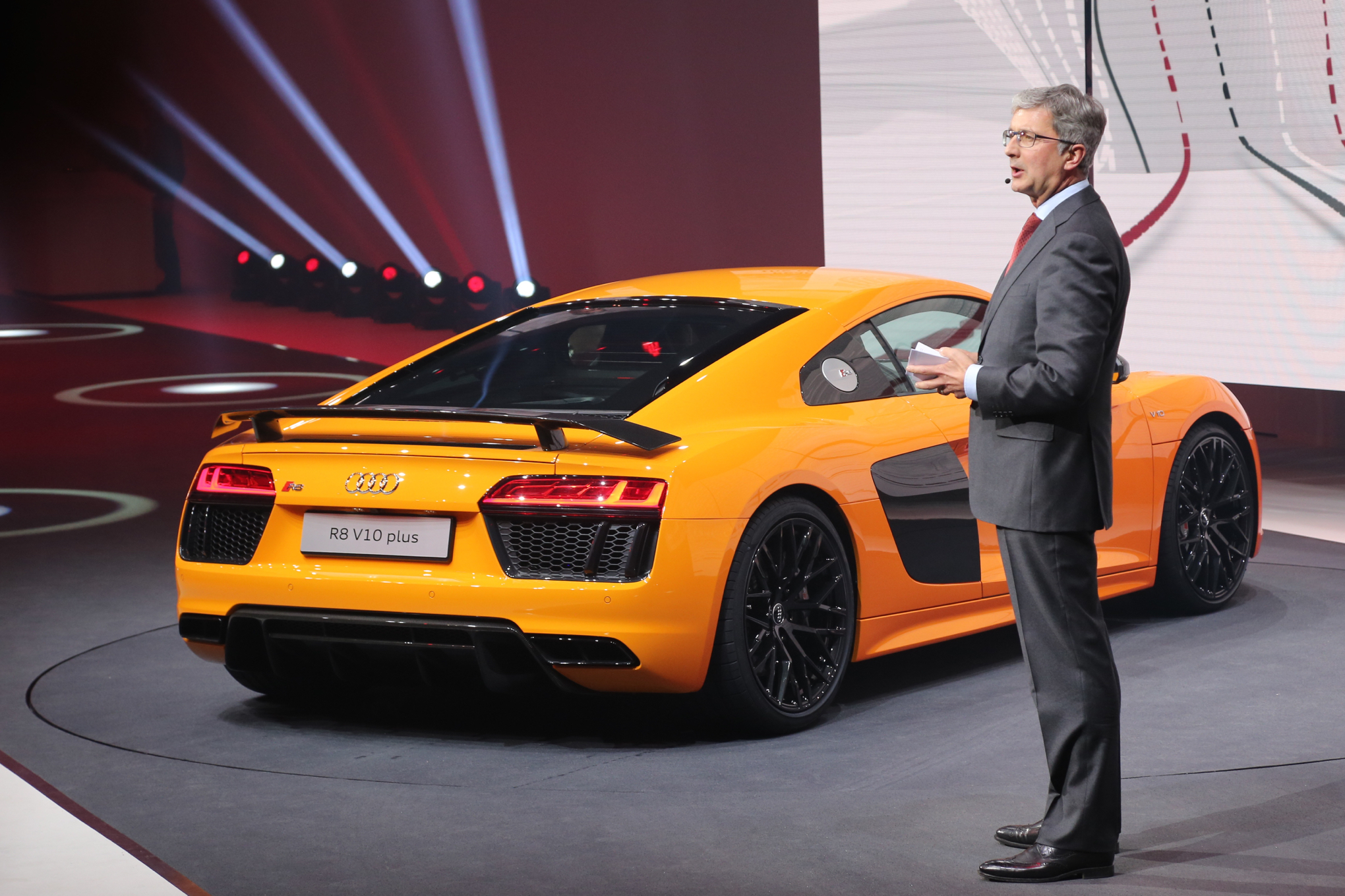 Why The Audi R8 Doesn T Offer A Manual Transmission Or A V 8 Engine