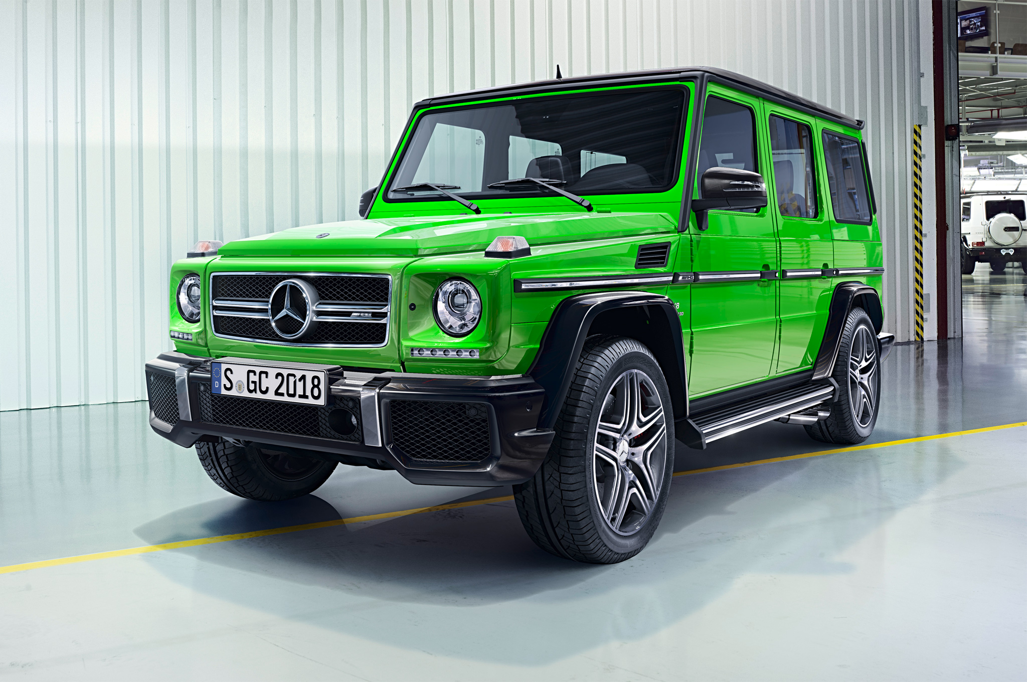 2016 Mercedes-Benz G-Class Updated with New V-8 Engine