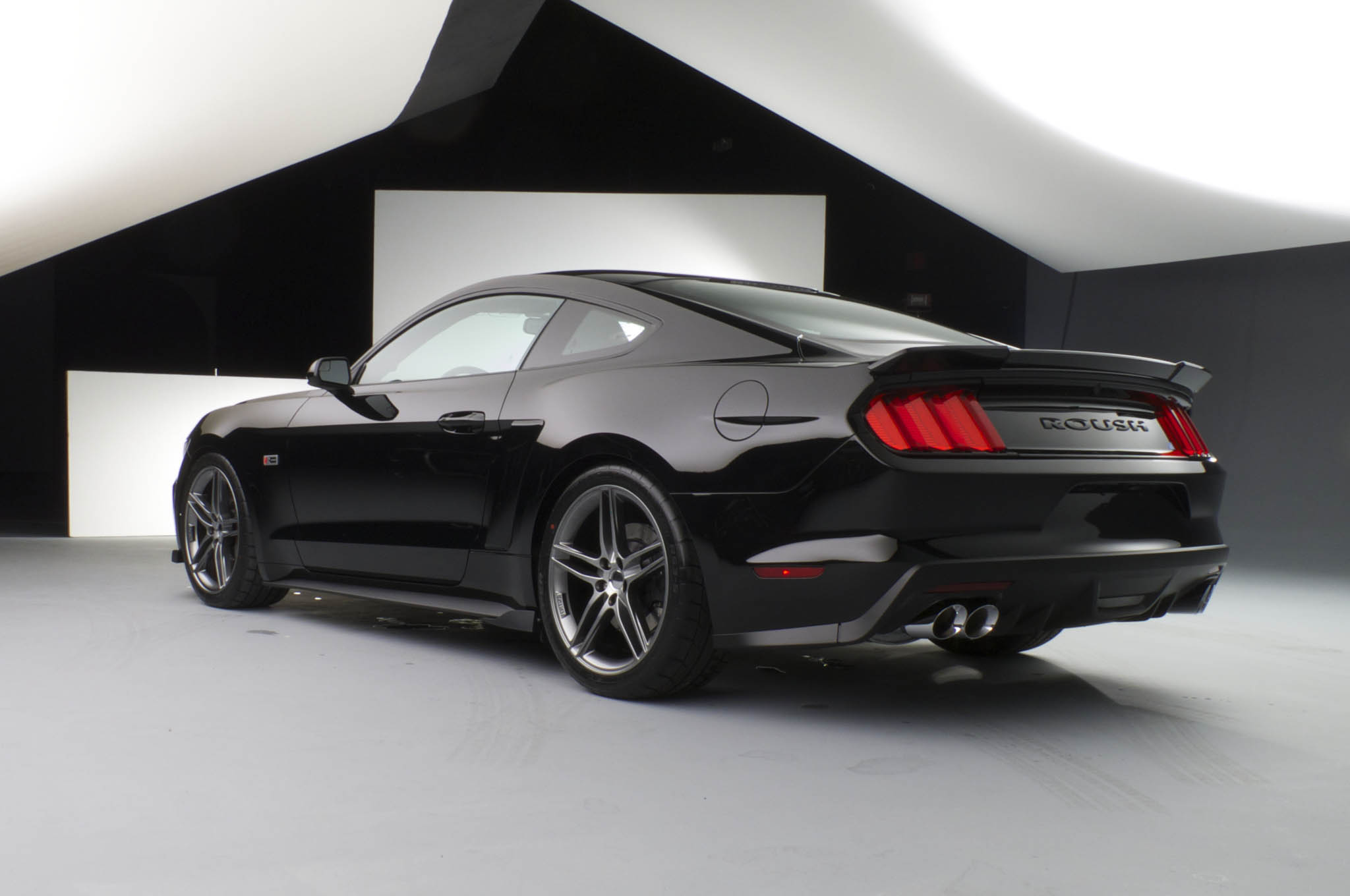 2015 roush stage 3 ford mustang spits out 670 hp