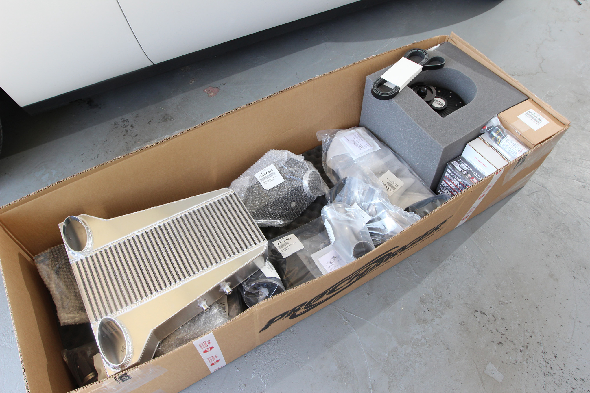 Hemi Power Play - ProCharger's Supercharger System - Hot Rod