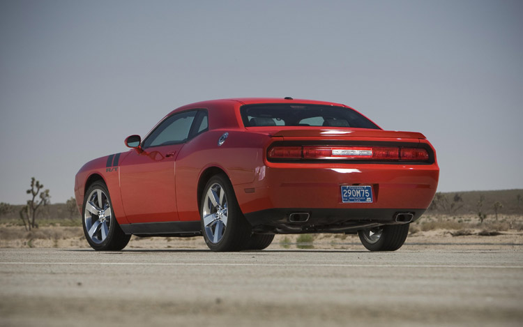 2008 Charger Rt >> 2009 Dodge Challenger SE, R/T, SRT8 Testing - Features - Motor Trend