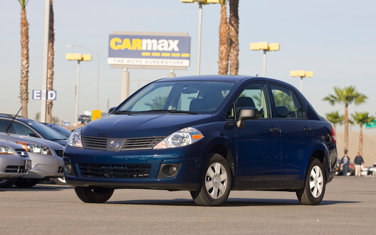 Altima Vs Maxima >> 2009 Hyundai Accent vs. 2009 Nissan Versa - Comparison ...
