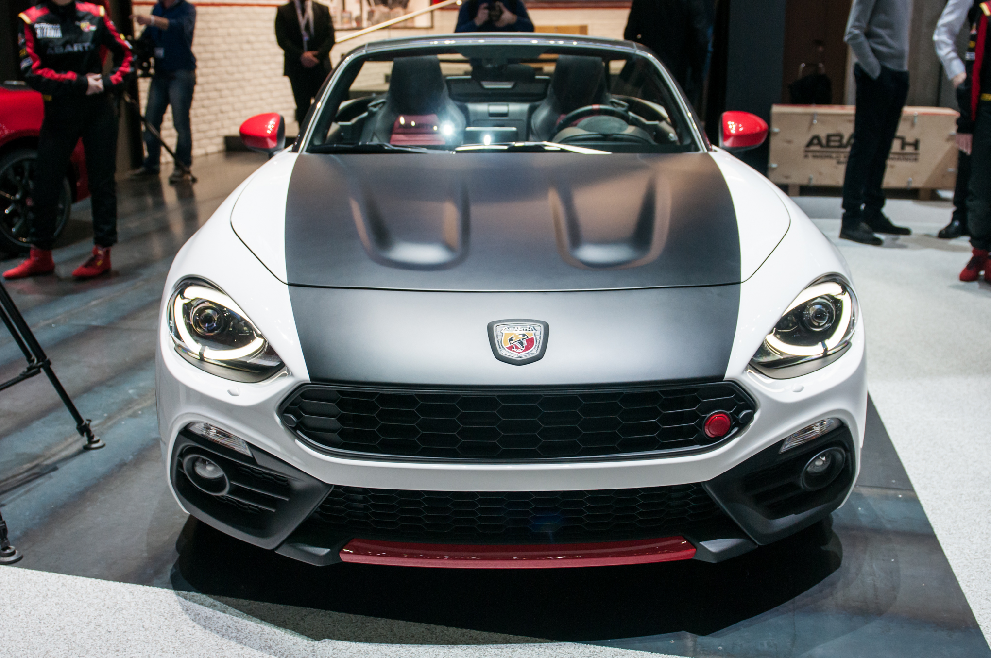 2017 Abarth 124 Spider First Look Review