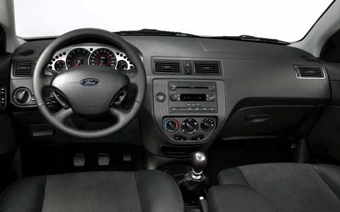 2005 ford focus zx4 st first drive motor trend. Black Bedroom Furniture Sets. Home Design Ideas