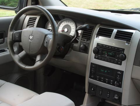 Roadtests Z Dodge Durango Suv Interior Dash on 2005 Dodge Durango