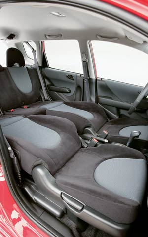 2007 honda fit first look review motor trend. Black Bedroom Furniture Sets. Home Design Ideas