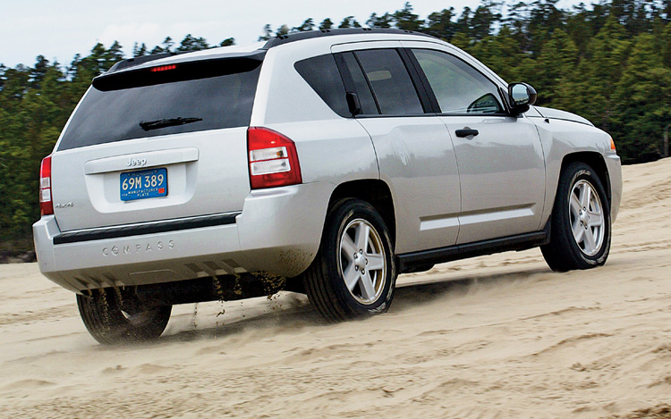 2007 jeep compass first drive motor trend. Black Bedroom Furniture Sets. Home Design Ideas