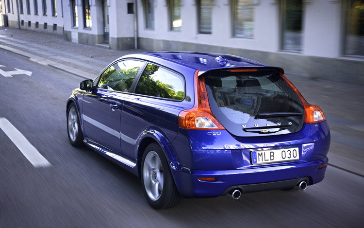 2009 volvo c30 r design first test motor trend. Black Bedroom Furniture Sets. Home Design Ideas