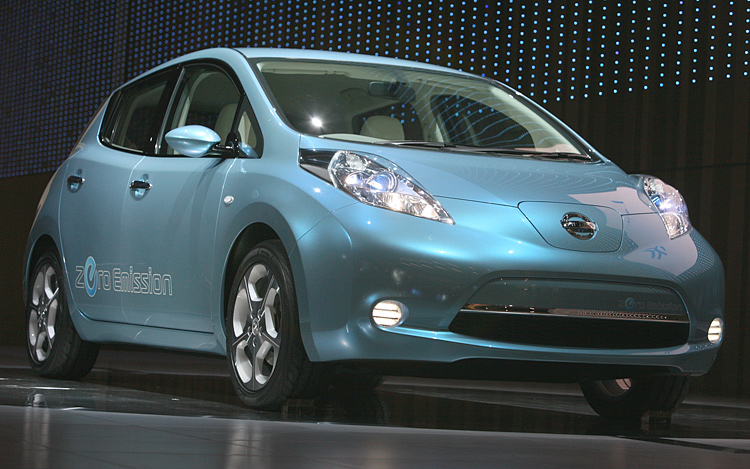 Zero Emissions All Green Introducing The Nissan Leaf Ev Motor Trend