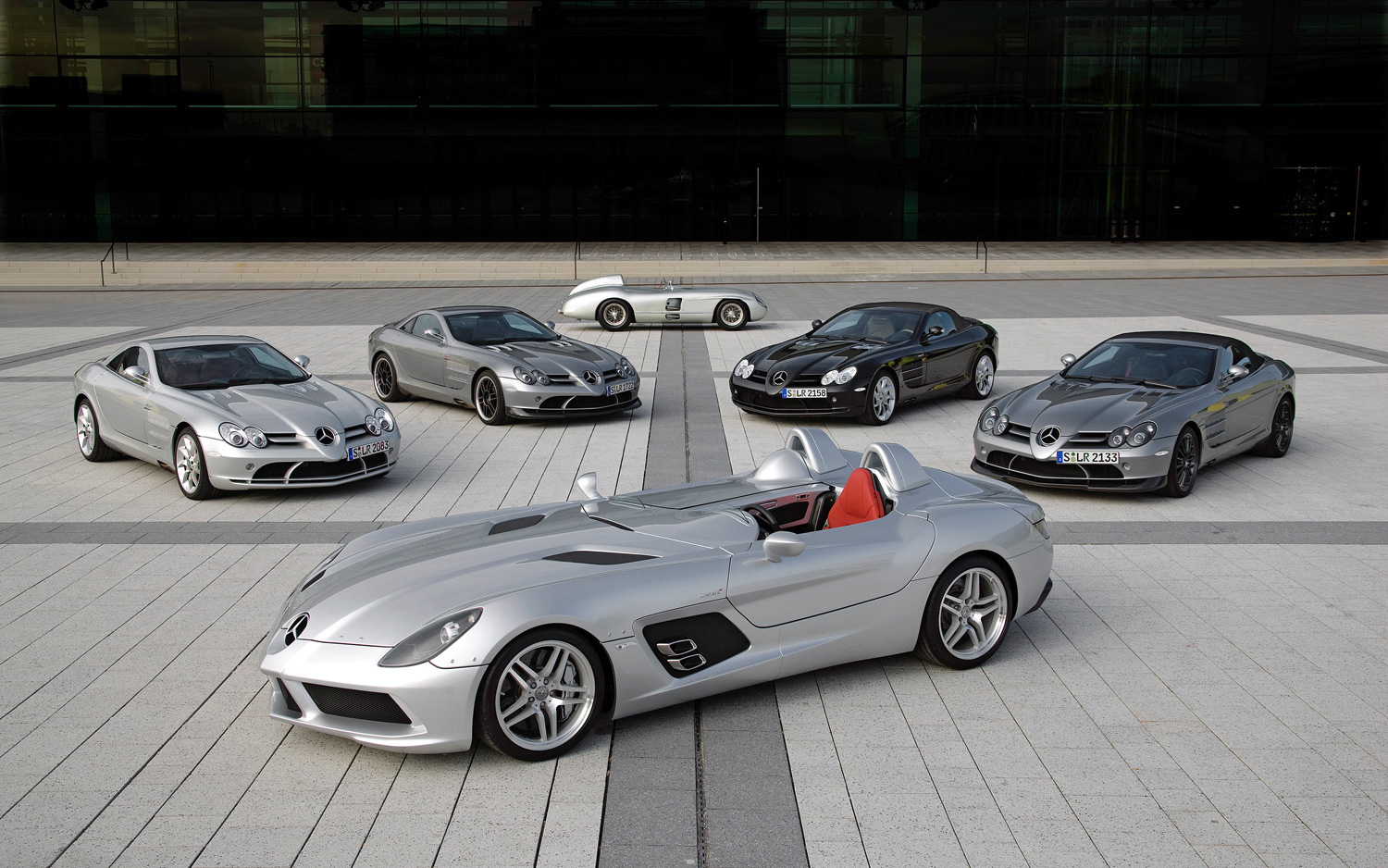 End Times Last Mercedes Slr Mclaren Rolls Off The Line Motor Trend