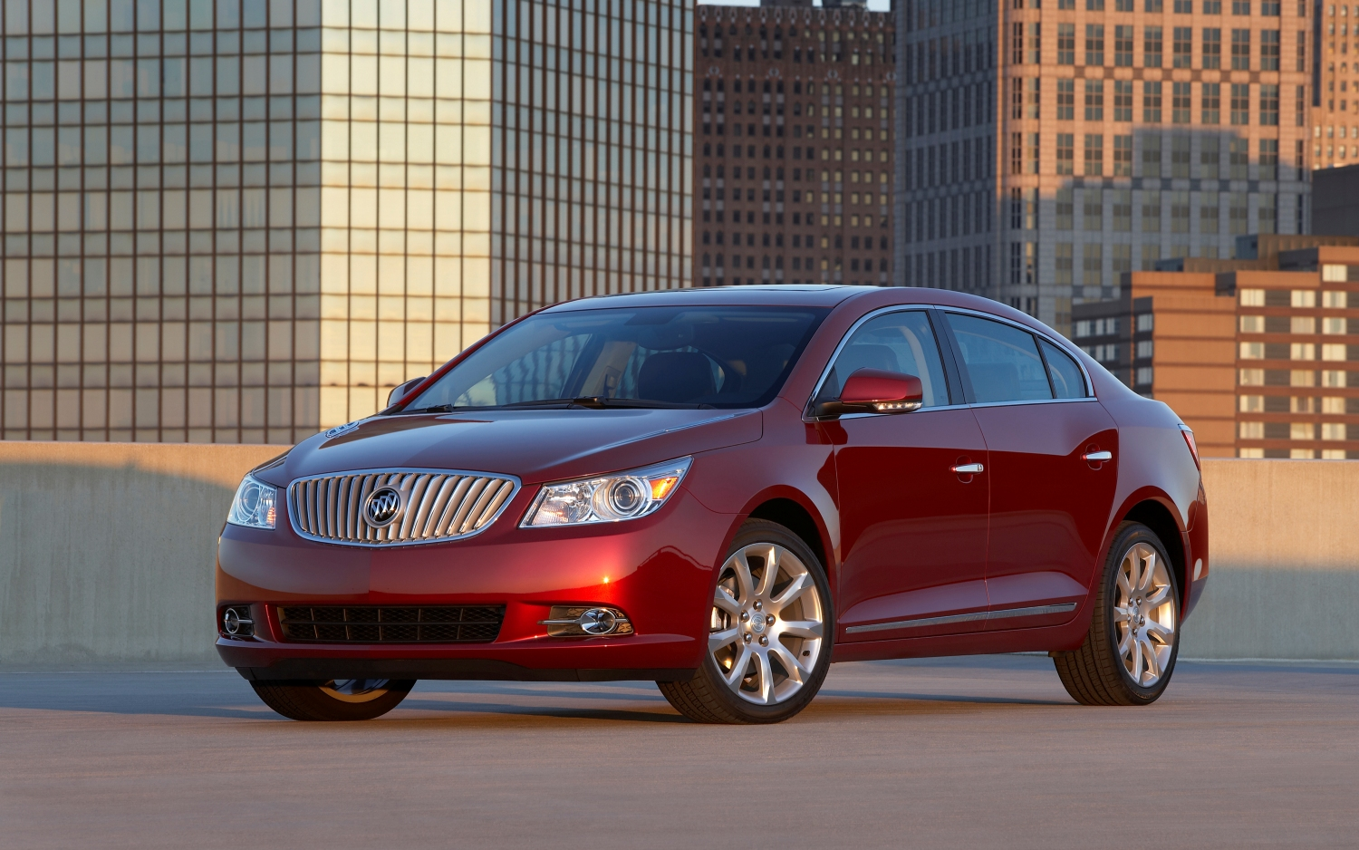 Buick LaCrosse: Safety Belt Pretensioners