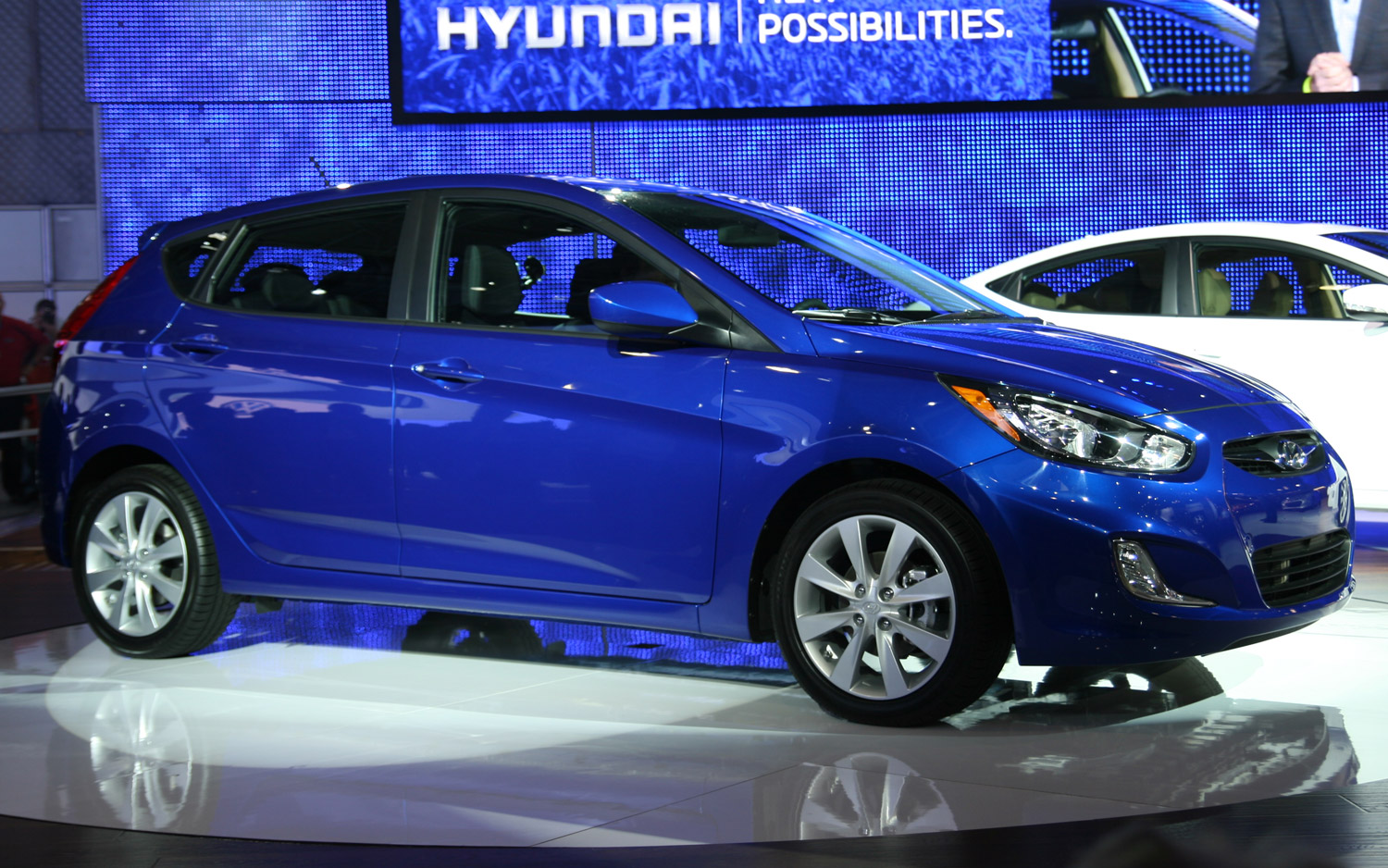 2011 New York: 2012 Hyundai Accent Joins 40 MPG Battle, Starts At $13,205
