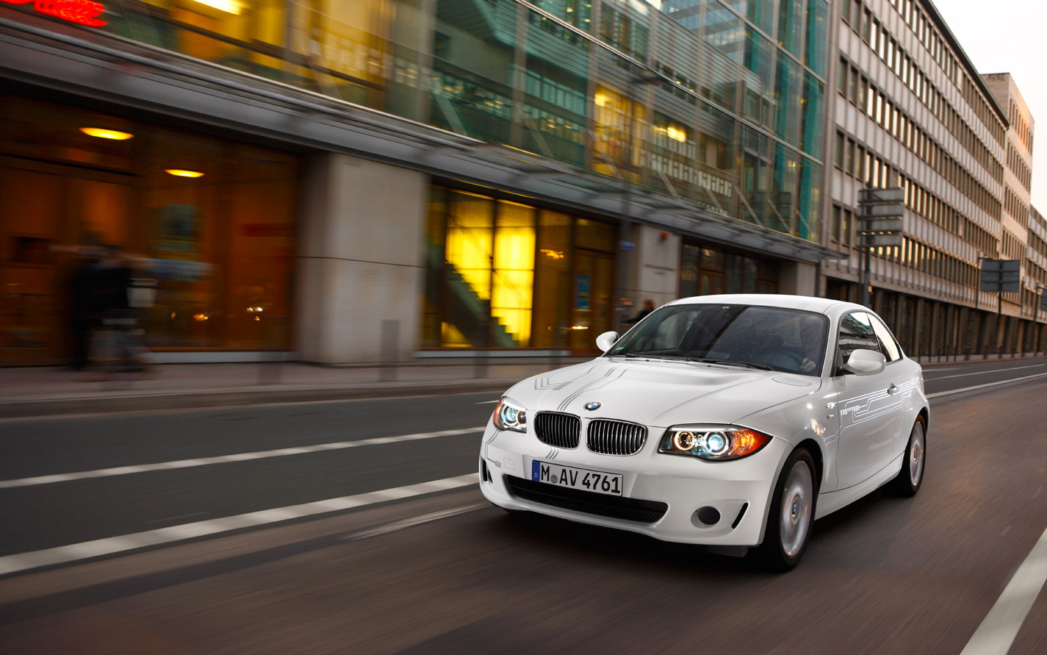 Bmw Introduces New Mobile App And Green Dealership Upgrades Motor