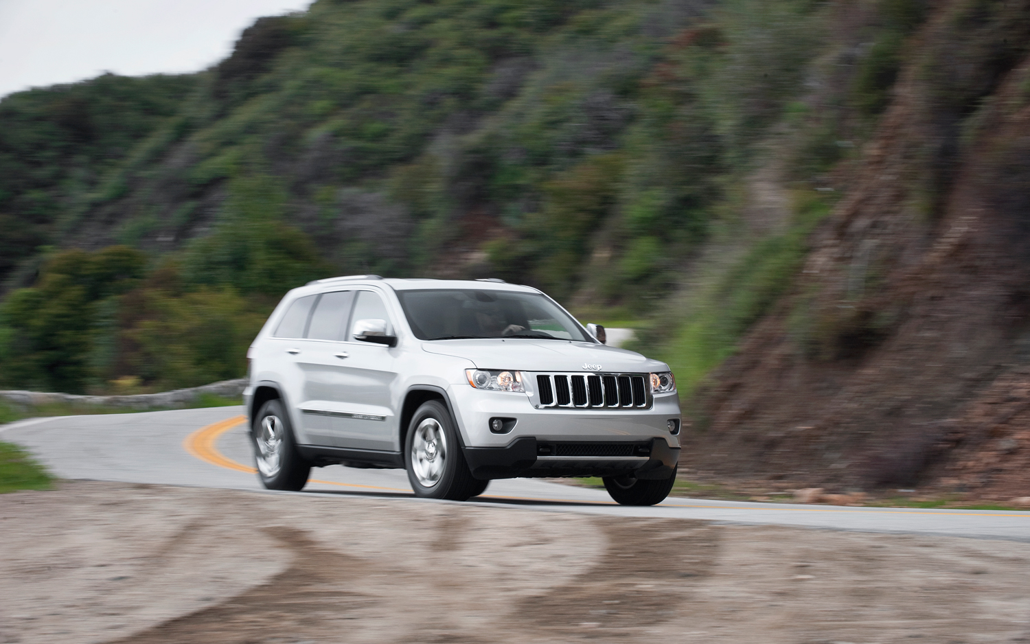 2011 jeep grand cherokee limited specs