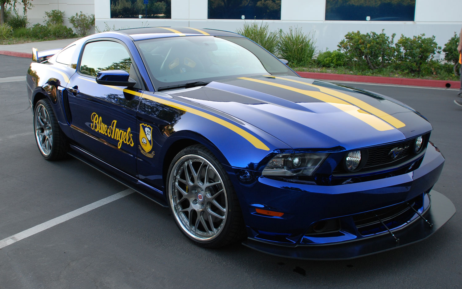 One Off Ford Quot Blue Angels Quot Mustang Gt Headed To Auction In Wisconsin Motor Trend