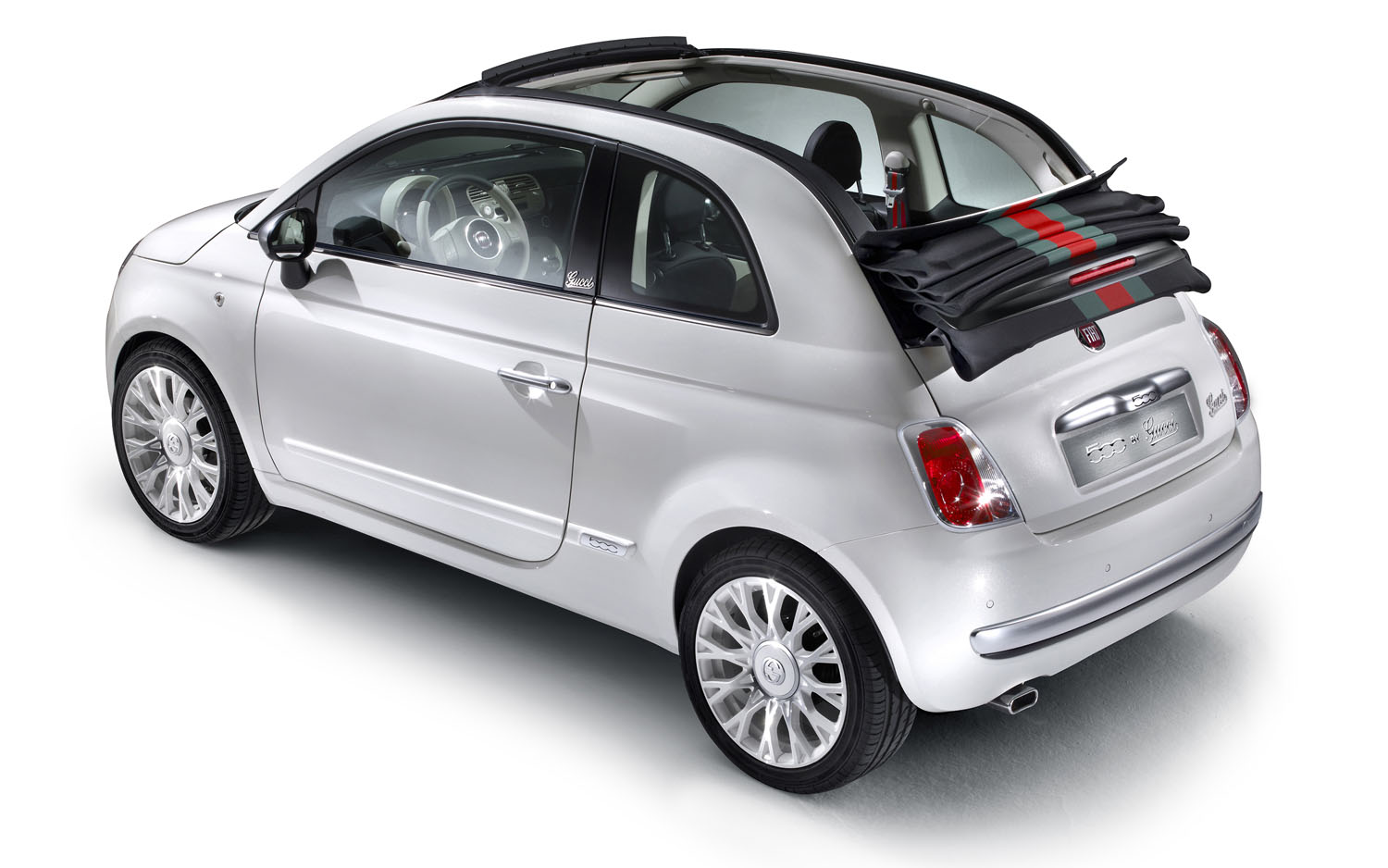 Fiat 500 Gucci Edition >> Fashion For America Fiat Ships 500 By Gucci To U S Market Motor