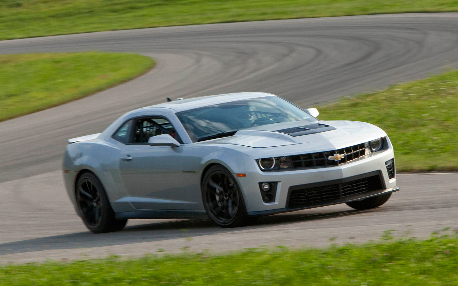 2012 Chevy Camaro ZL1 Makes 580 Horsepower - Motor Trend