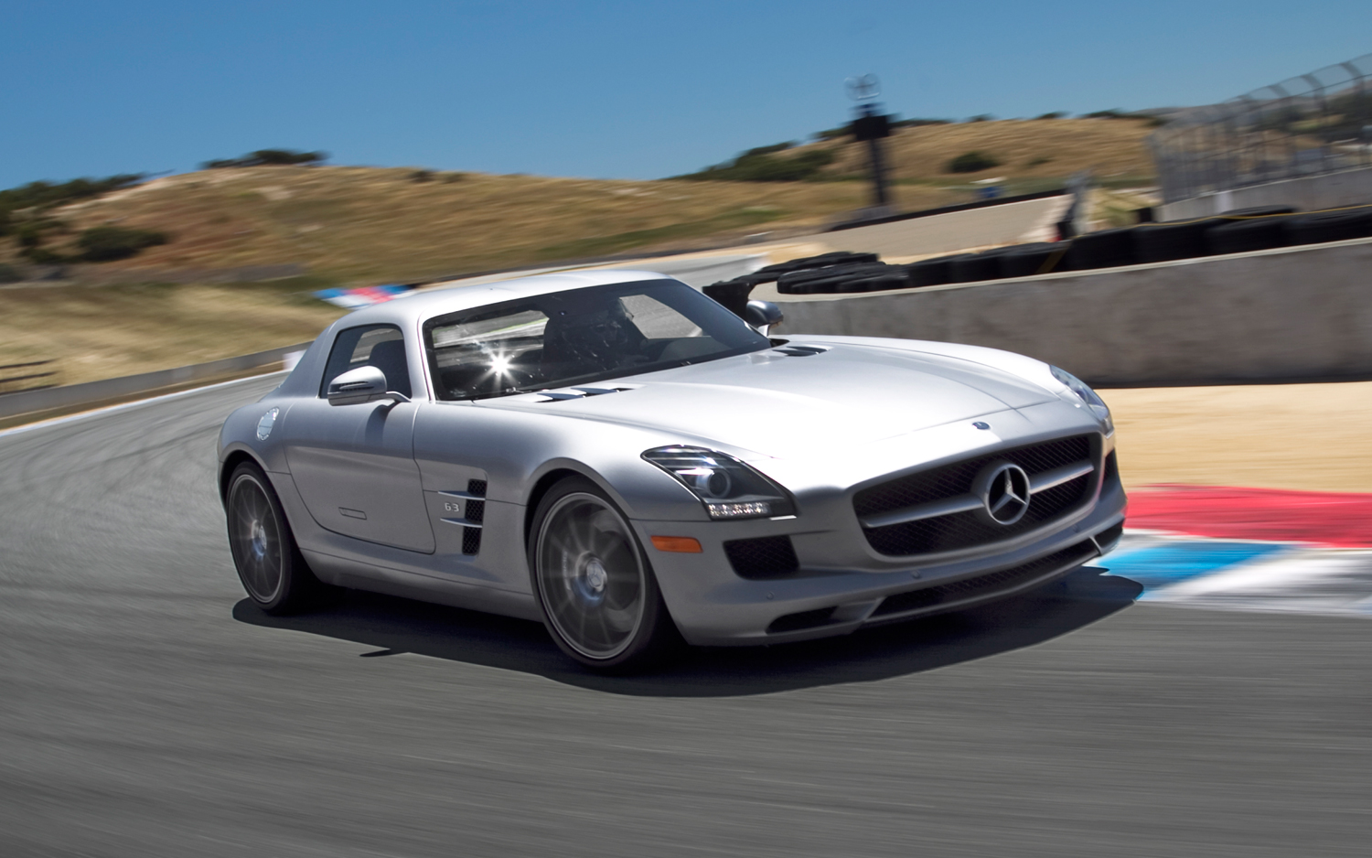 Superior Mercedes Benz SLS AMG: 2011 Best Driveru0027s Car Contender