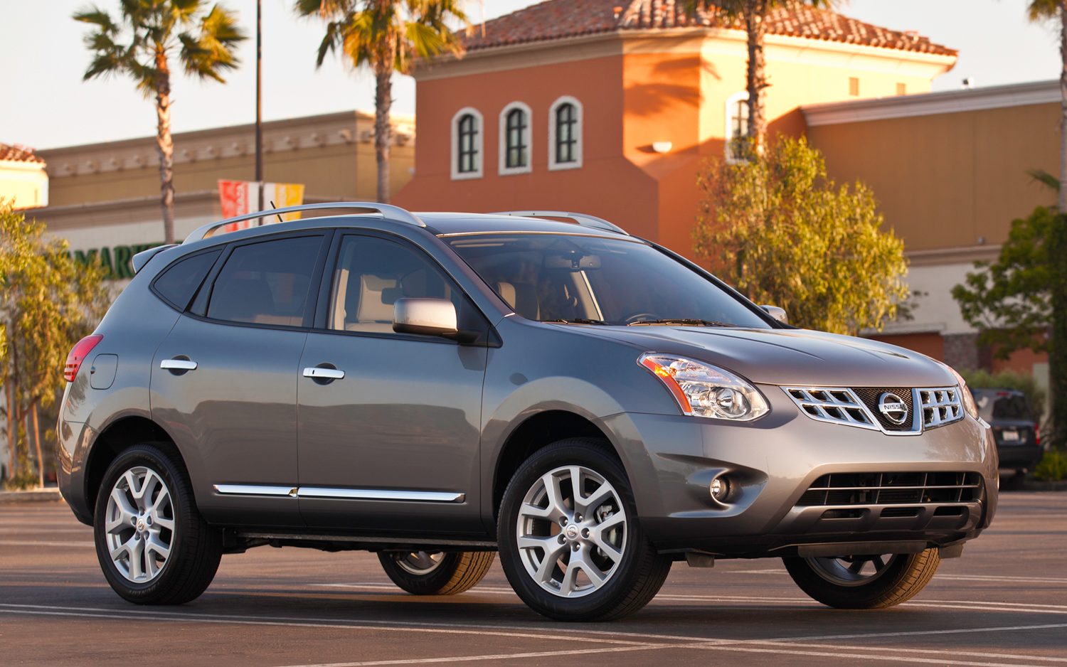 2012 Nissan Rogue Gets Slight Price Bump, Starts at $22,340 - Motor ...